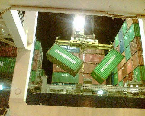 Cargo Moment : Twin 20′ Lift Gone Bad